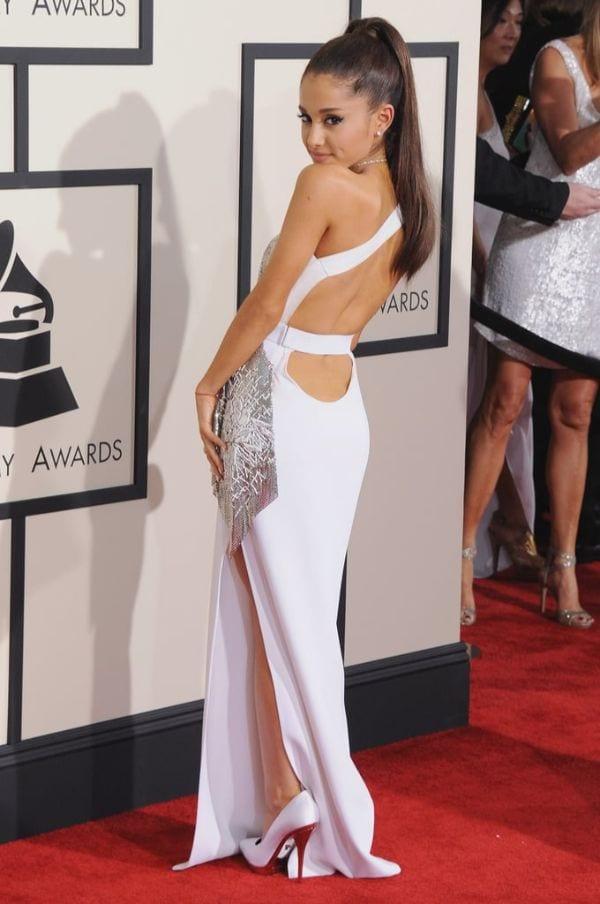 Ariana Grande naked - YouTube
