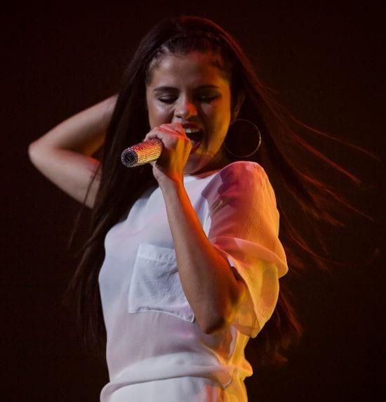 Selena Gomez - Top 10 Best Female Singers right now