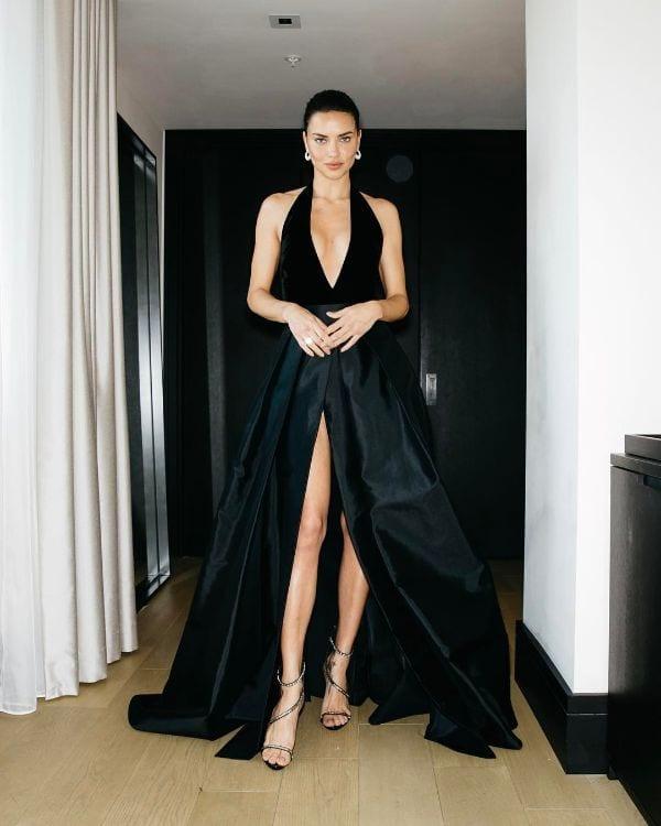 Super Sexy Half-Nude and Hottest Adriana Lima Photos-1