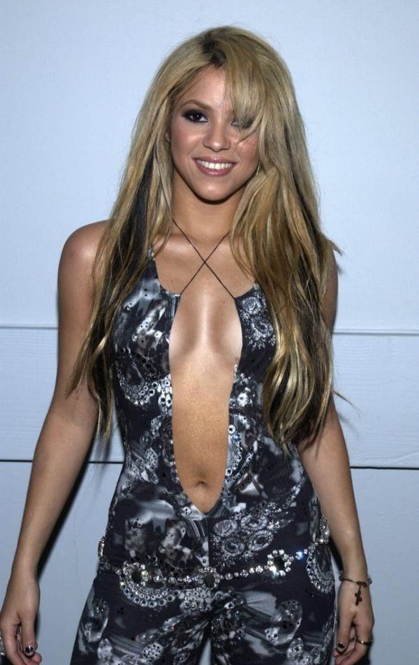 47 Sexiest and Half Nude Shakira's Pics-3