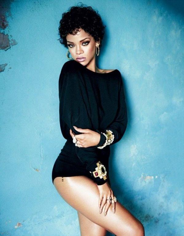 Epic Ass and Half-Nude Hottest Photos of Rihanna-3