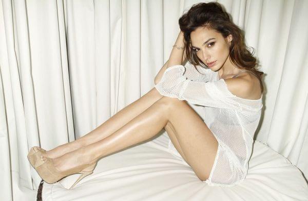 Hot and Sexy Half-Nude Photos of Gal Gadot-2