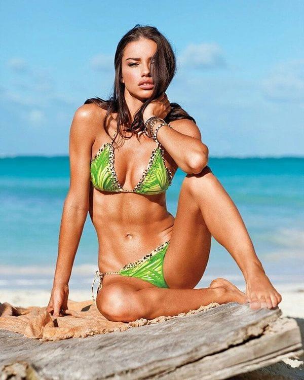 Super Sexy Half-Nude and Hottest Adriana Lima Photos-3