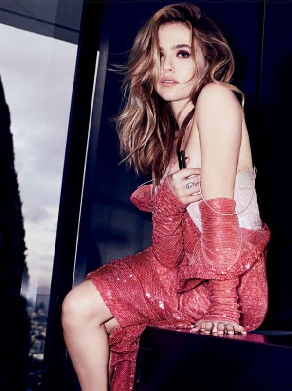 25 Zoey Deutch Smoking-Hot Glamours Photos That Will Make Your Knees Weak-2
