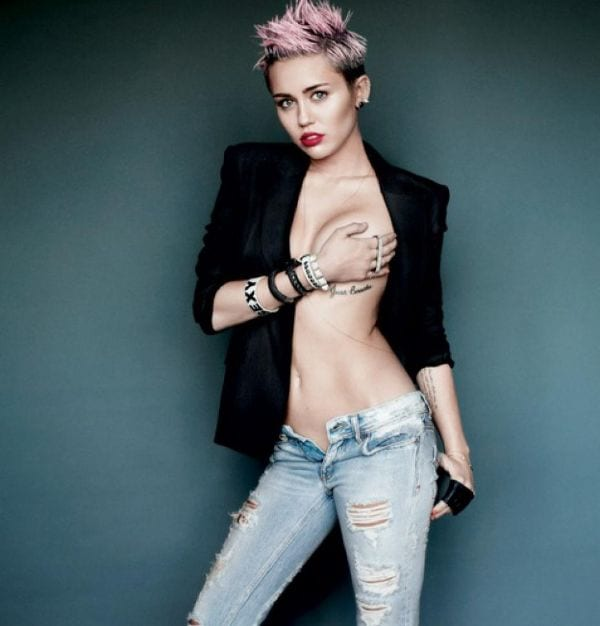 24 Absurdly Hottest Half-Nude of Miley Cyrus-2