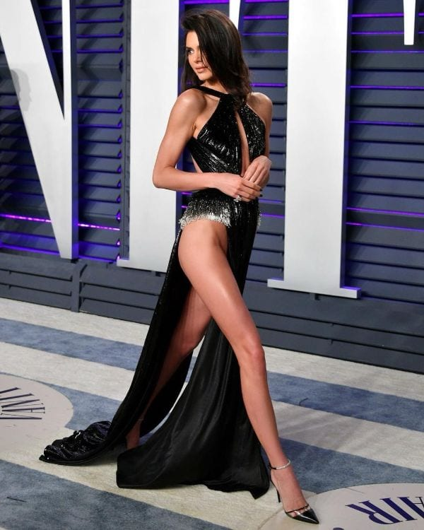 29 Kendall Jenner's Hottest Half-Nude & Butts Photos Ever-6