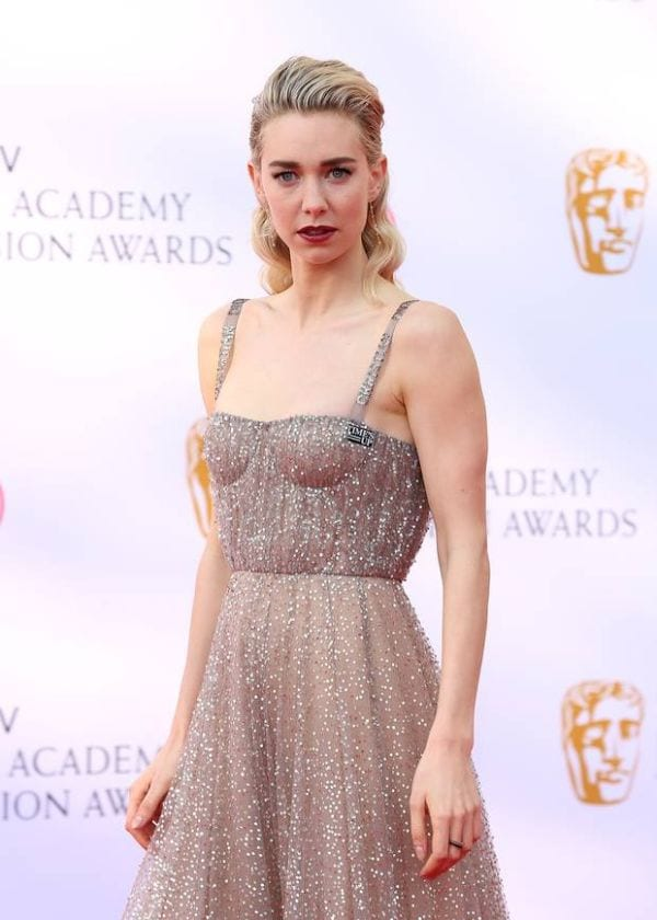 Vanessa Kirby Absurdly Jaw-Dropping Hot Photos-9