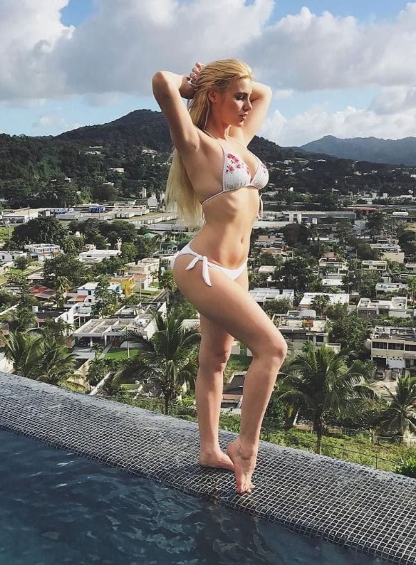 33 Sexiest Photos of Lele Pons Proven That She is an Actual Goddess-8