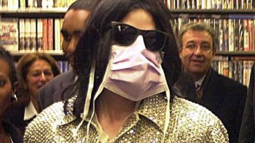 Why Michael Jackson used to Wear Mask find out the Reason