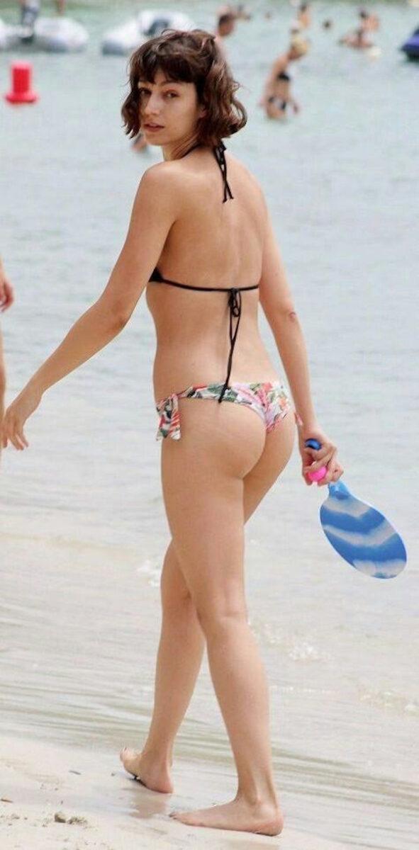 26 Hottest Úrsula Corberó Bikini Half-Nude Photos That