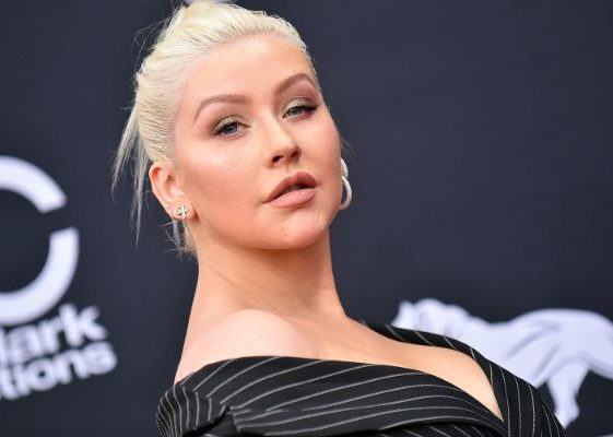 Christina Aguilera Is Down To Memory Lane, Makes Fans Nostalgic With Her Singing-1