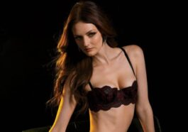 29 Hottest Half-Nude Pictures of Lydia Hearst