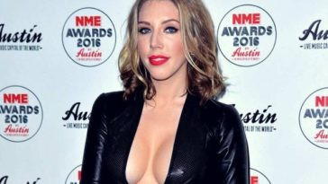 32 Hot Half-Nude Pictures of Katherine Ryan