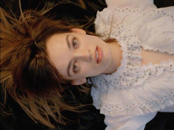 38 Of The Hottest Emma Mackey Photos Yet