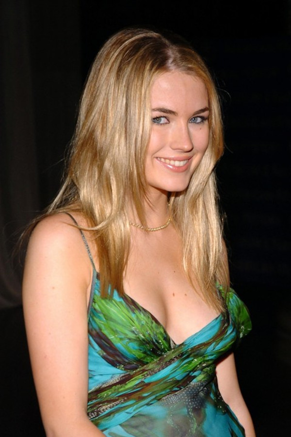 Hottest pictures of Amanda Hearst-15