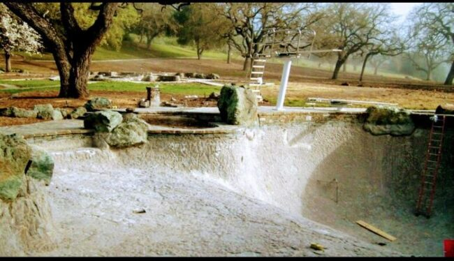 Here's abandoned Neverland ranch recent photos -9