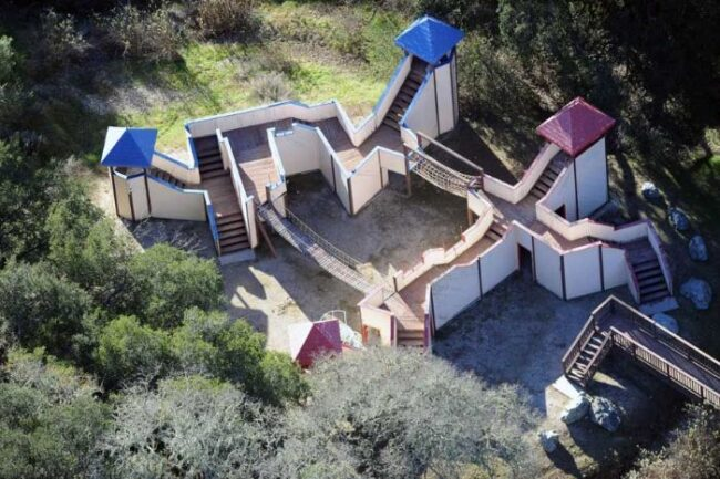 Here's abandoned Neverland ranch recent photos -11