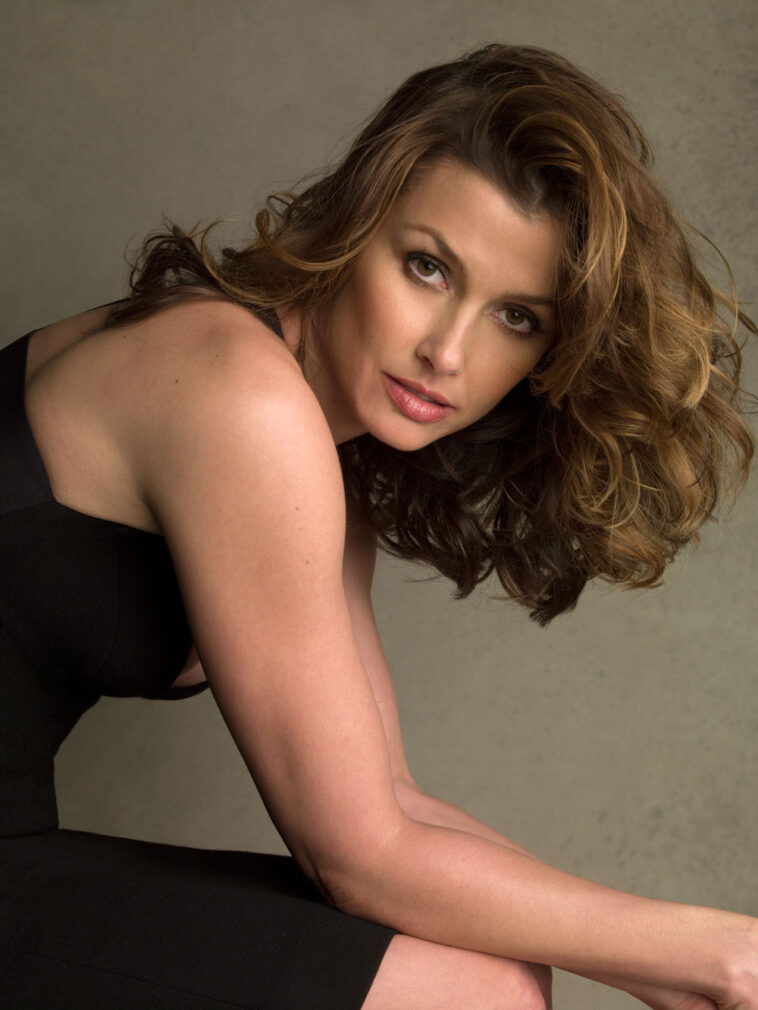 64 Hot Half-Nude Pictures of Bridget Moynahan Which Are