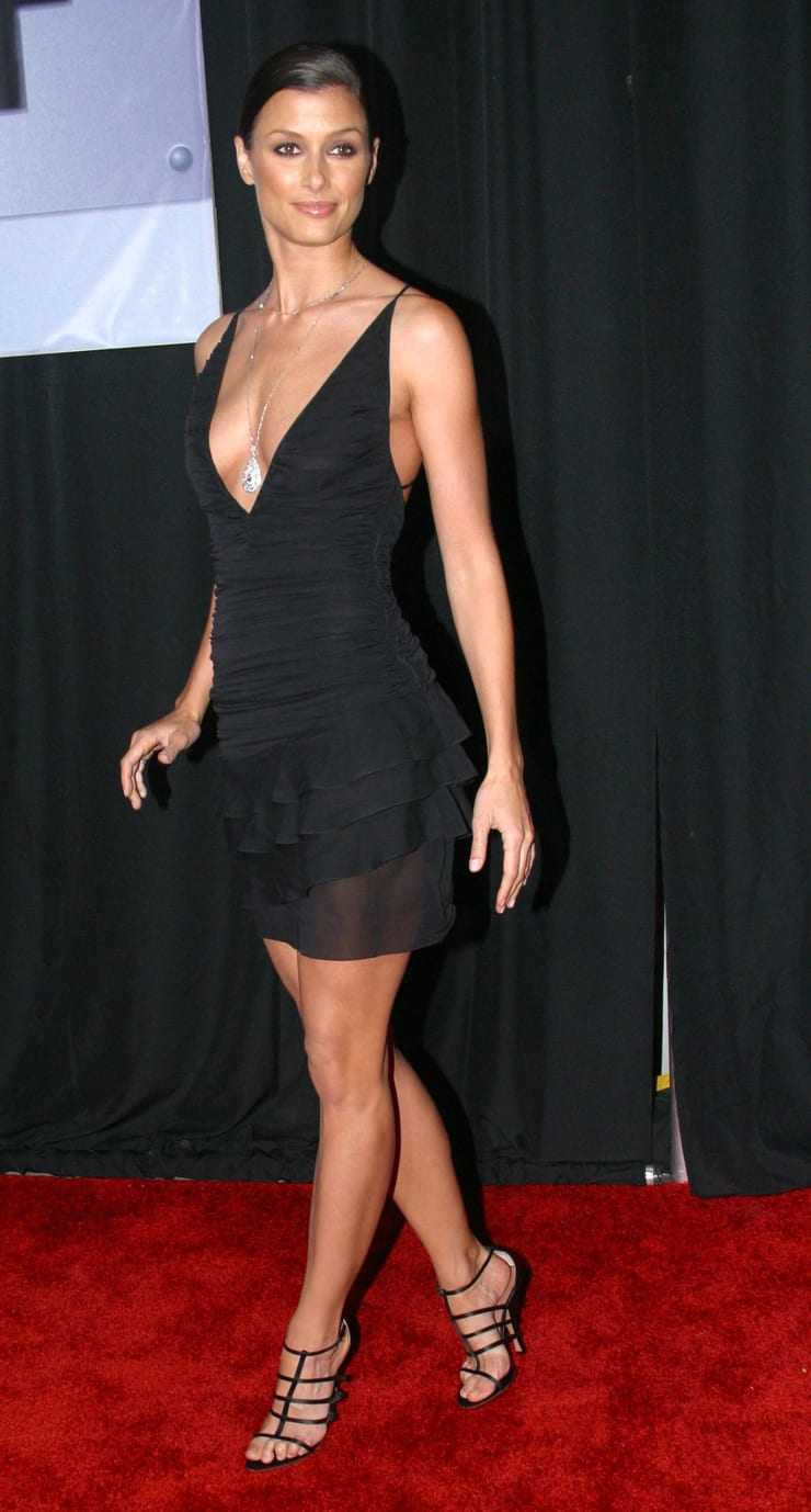 64 Hottest Half-Nude Pictures of Bridget Moynahan - Music