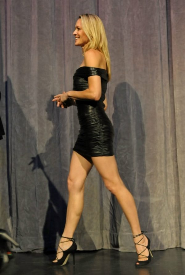 Robin Wright Hot pictures-24