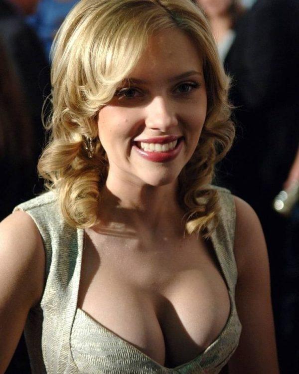 Johanssonhot scarlett Sexy Scarlett