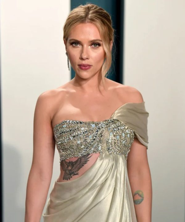scarlett johansson hot boobs pictures-6