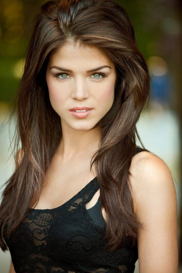 Avgeropoulos nude marie Marie Avgeropoulos